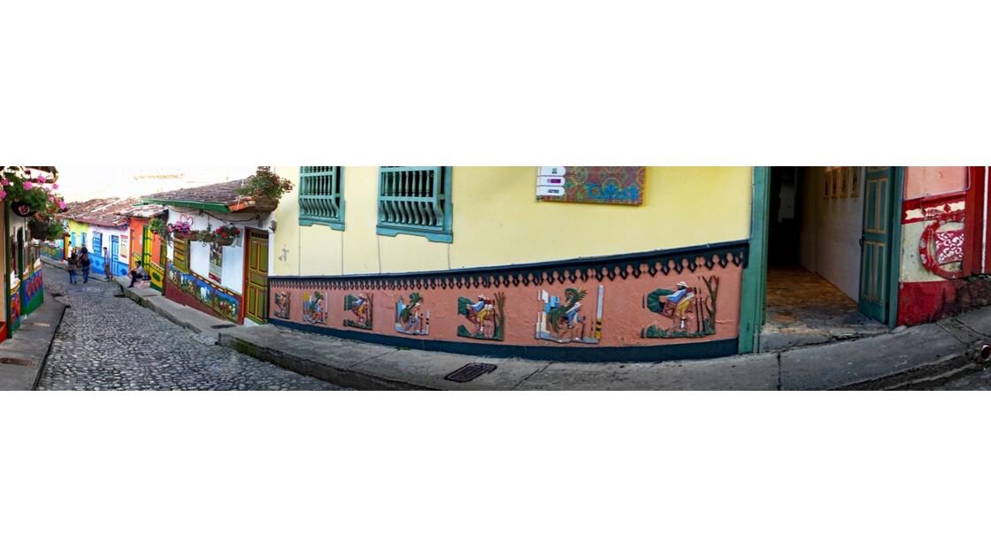 Colombie  Les zocalos de Guatapé 9