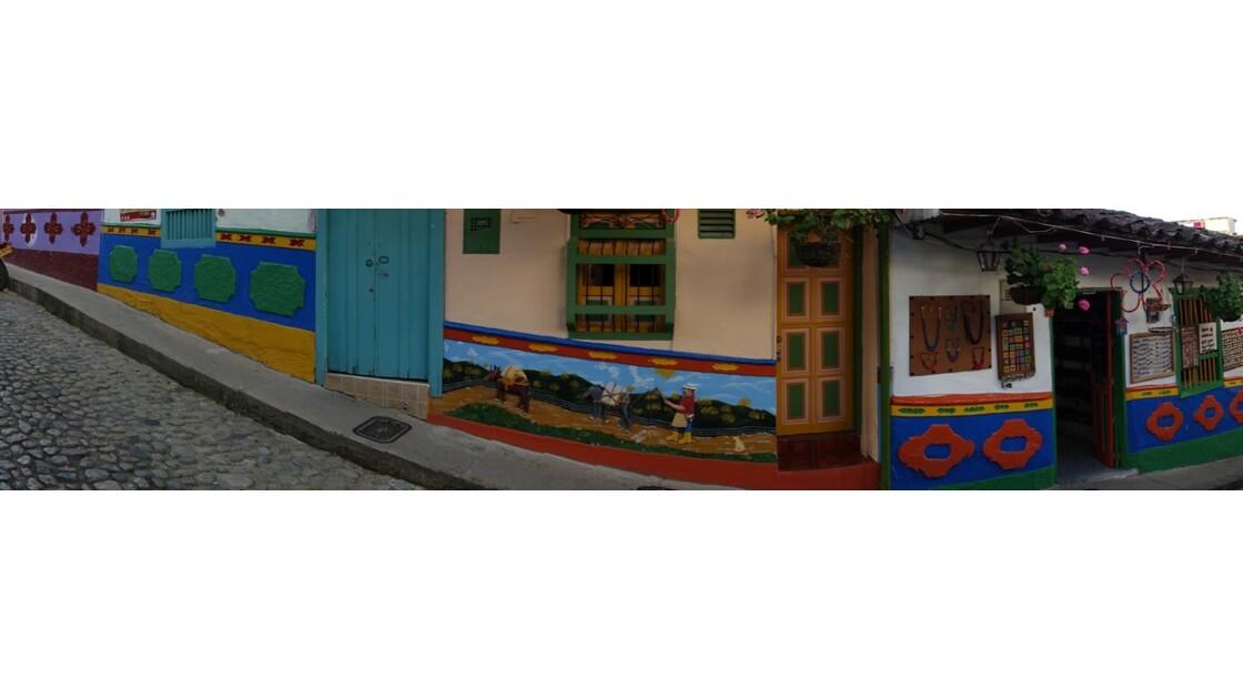 Colombie  Les zocalos de Guatapé 10