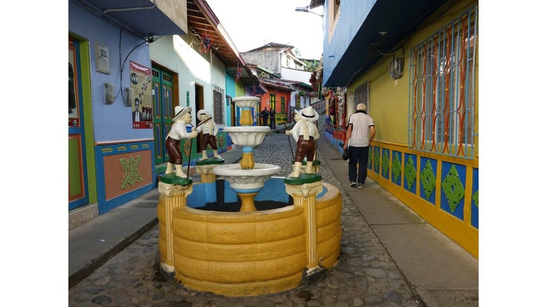 Colombie  Les zocalos de Guatapé 11