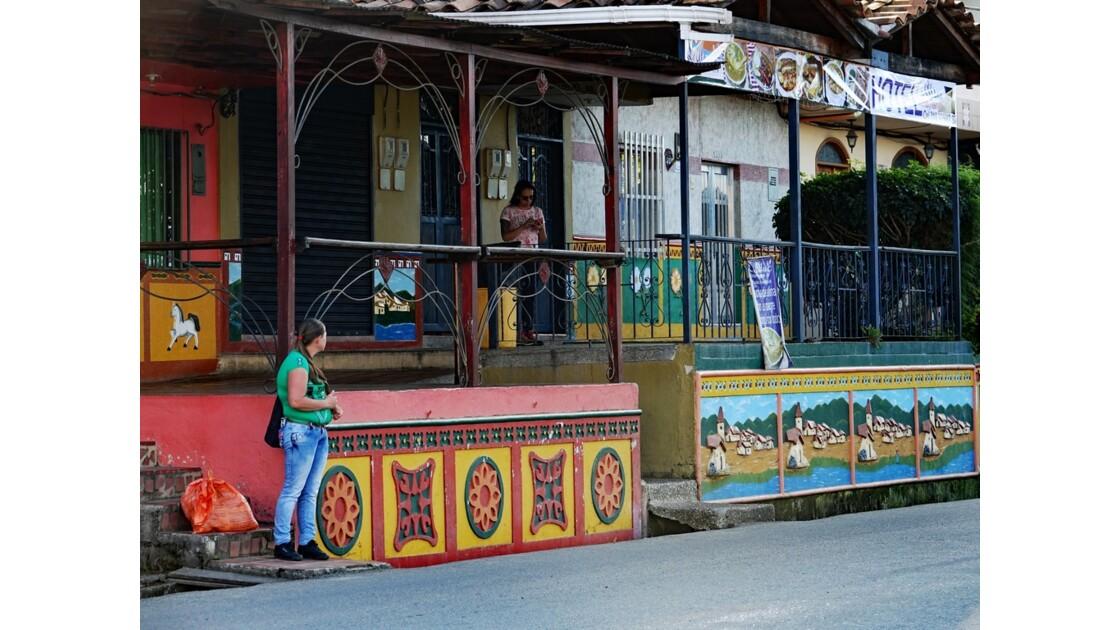 Colombie  Les zocalos de Guatapé 18