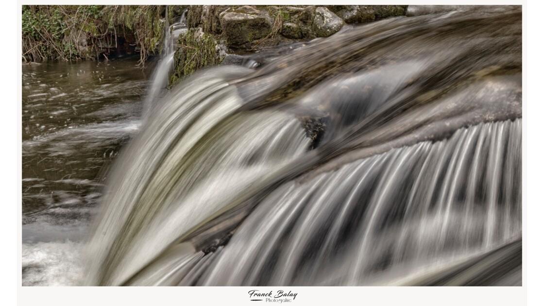 Cascade rivière d'Ay