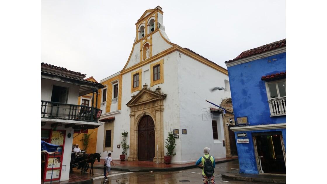 Colombie Cartagena Plaza Fernandez de Madrid sous la pluie 3