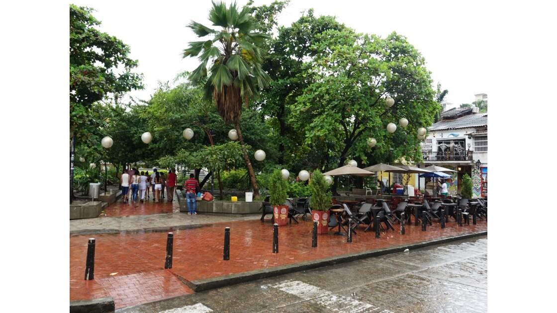 Colombie Cartagena Plaza Fernandez de Madrid sous la pluie 5