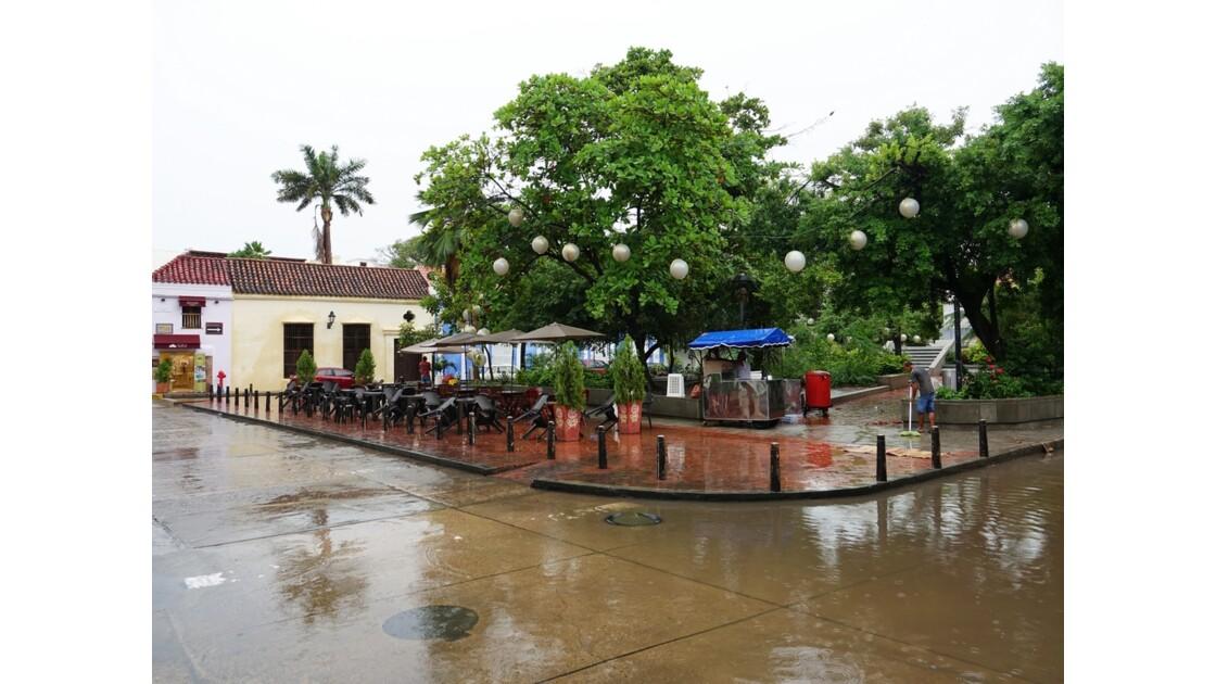 Colombie Cartagena Plaza Fernandez de Madrid sous la pluie 6