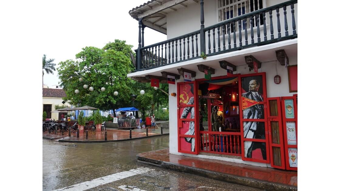 Colombie Cartagena Plaza Fernandez de Madrid sous la pluie 7