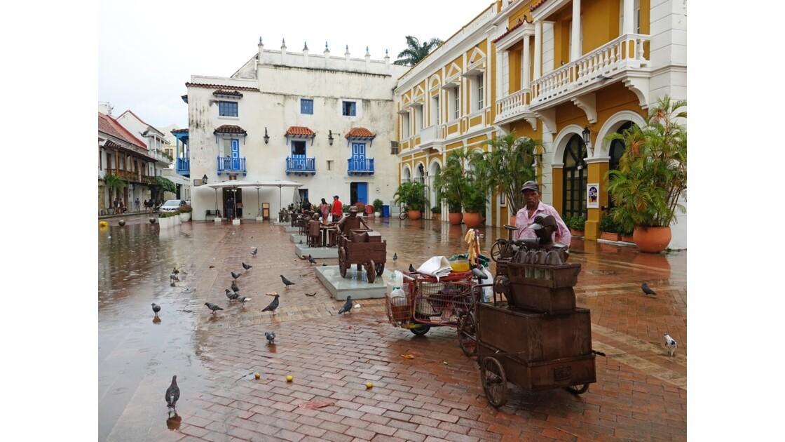 Colombie Cartagena Plaza San Pedro Claver Corbero sous la pluie 2