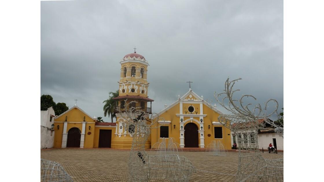 Colombie Mompox Iglesia Santa Barbara avant l'orage 3