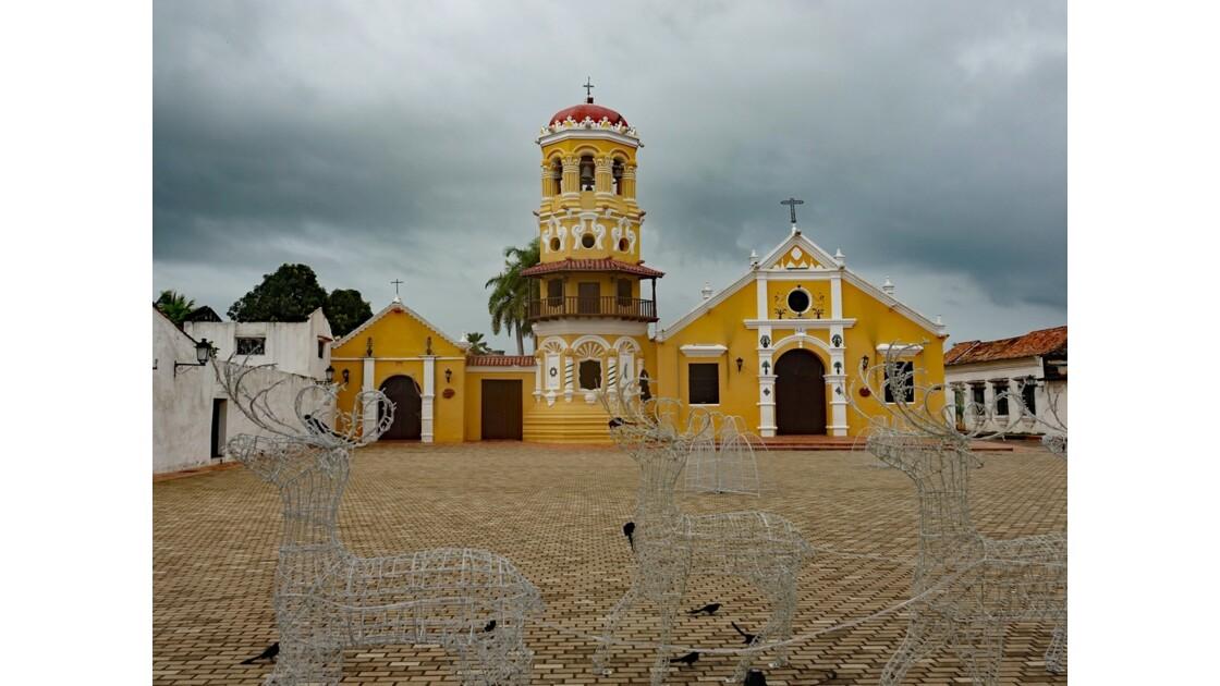 Colombie Mompox Iglesia Santa Barbara avant l'orage 4