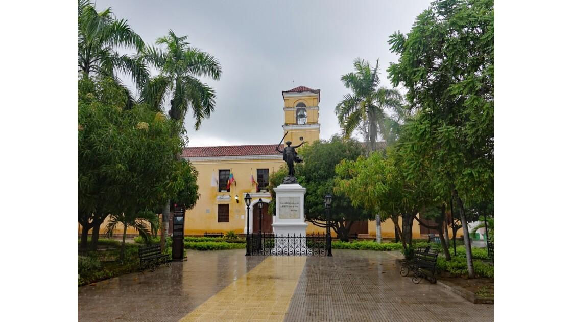 Colombie Mompox sous l'orage Plaza de la Libertad