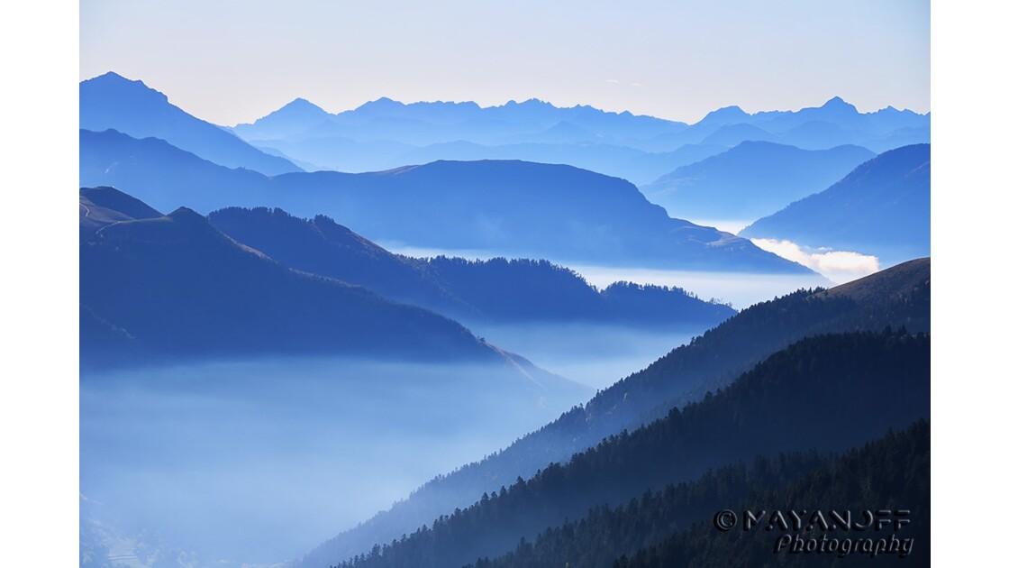 Brumes matinales sur les Pyrénées