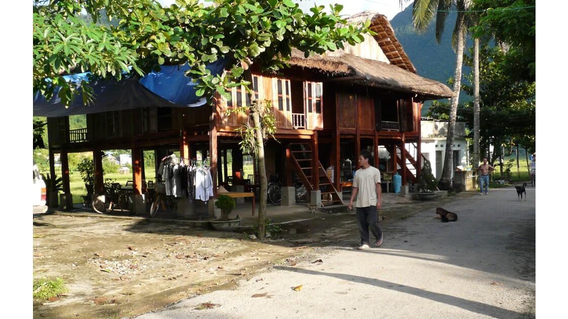 Etape dans un village