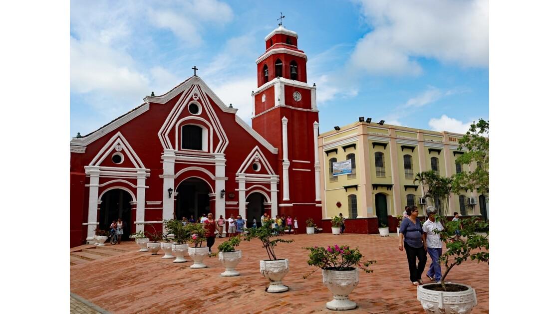 Colombie Mompox Iglesia de San Francisco sortie de messe 3