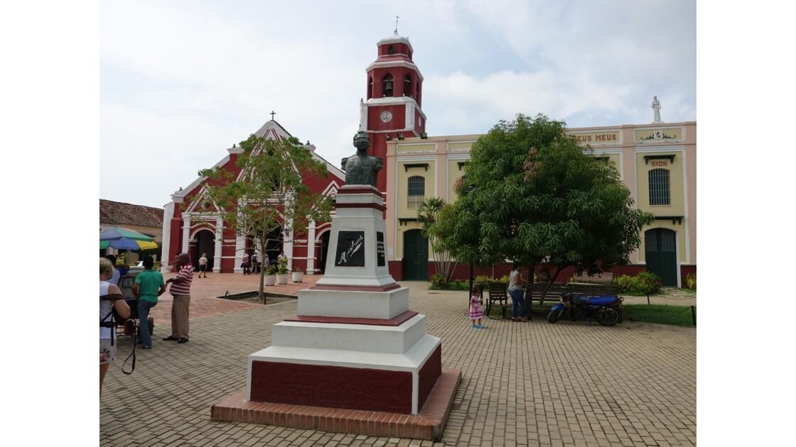 Colombie Mompox Iglesia de San Francisco sortie de messe 6