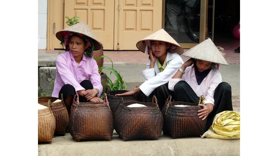 Les dames au chapeaux de paille