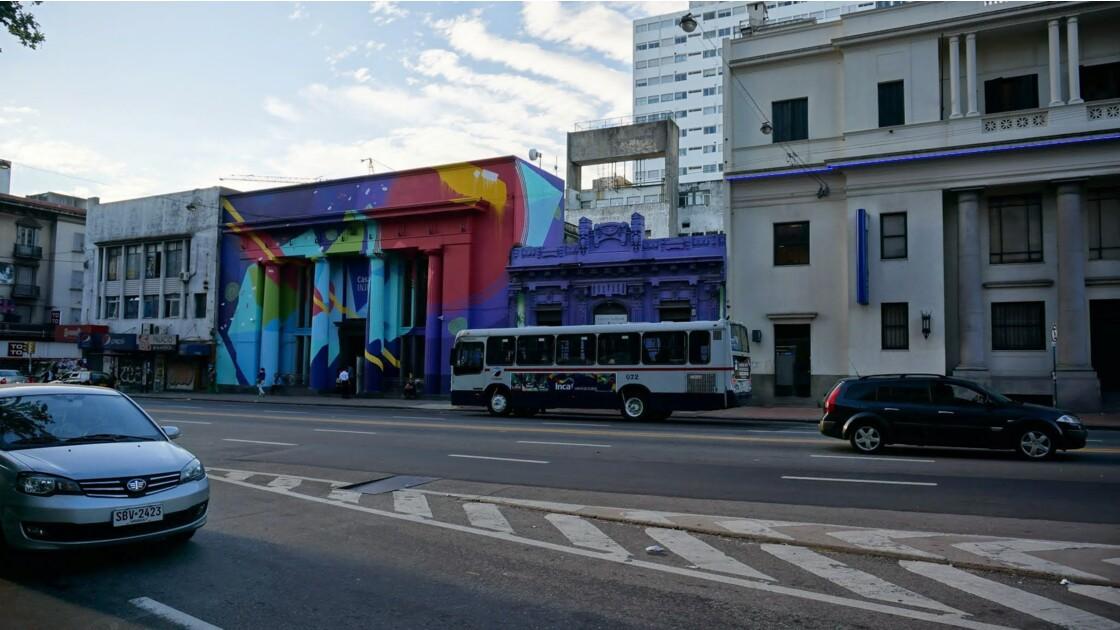 MONTEVIDEO    A l'intérieur du centre ville