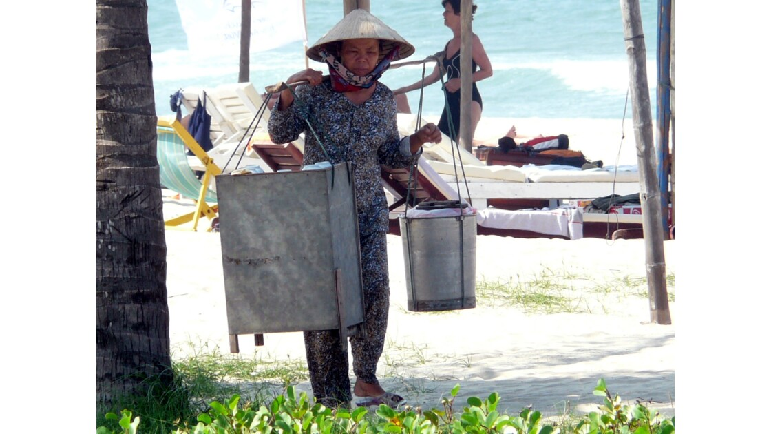 Sur la plage de Cùa Daï
