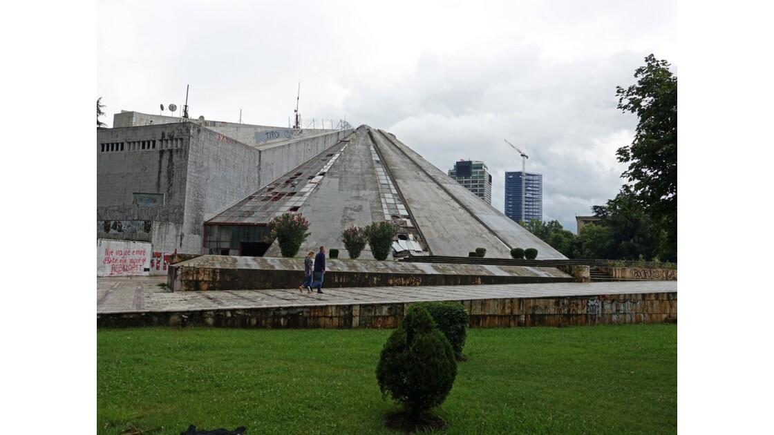 Albanie Tirana La Pyramide