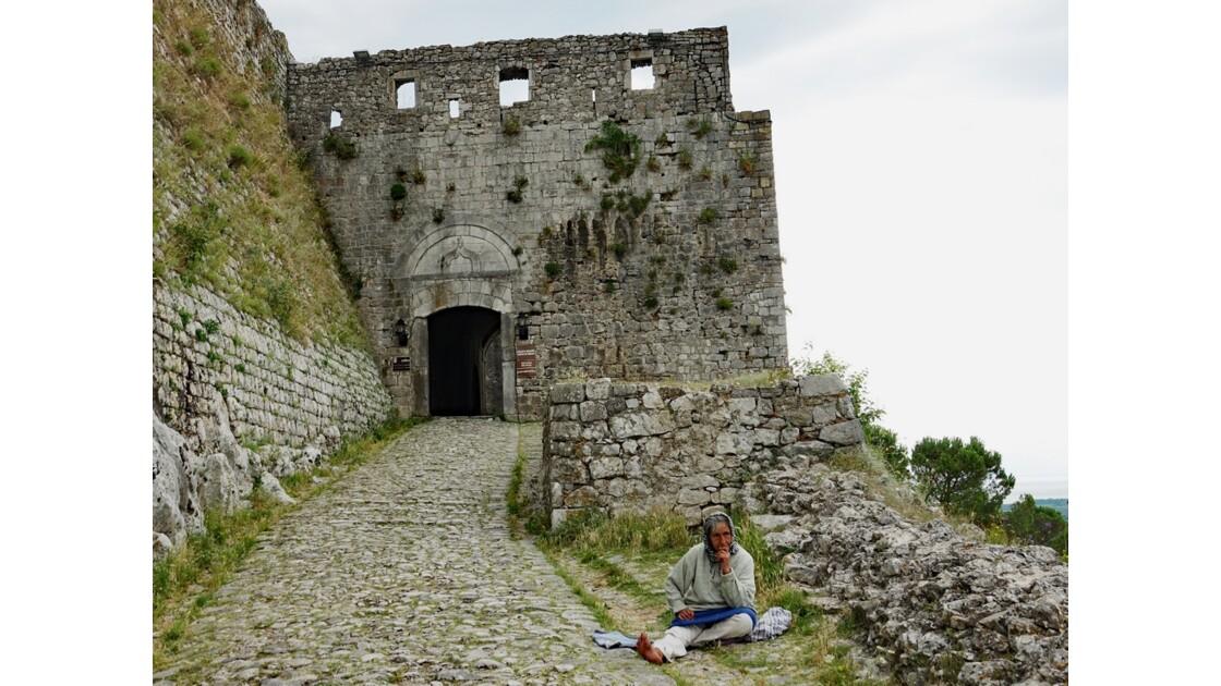 Albanie Entrée de la Forteresse de Rozafa 1