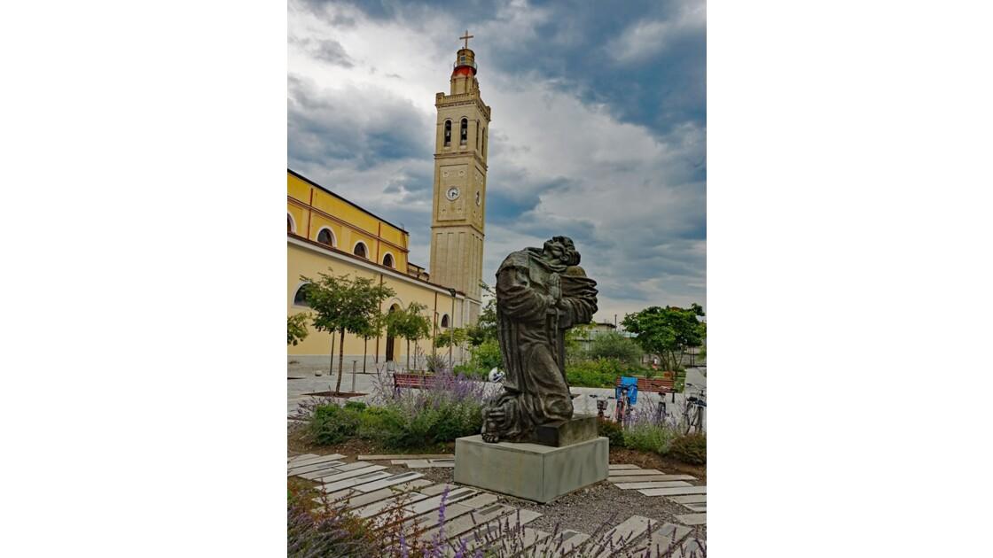 Albanie Shkoder Monument des 40 martyrs 1
