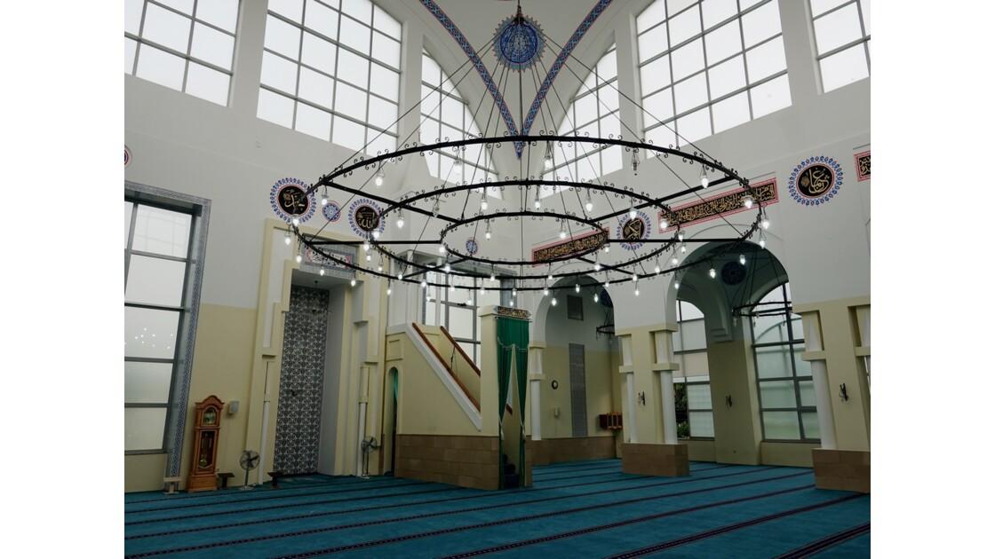 Albanie Shkoder Mosquée Al-Zamil  Minbar et Mihrab 1