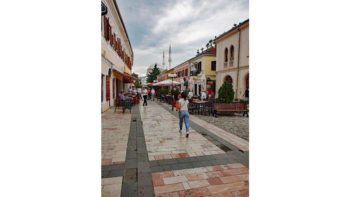 Albanie Shkoder rue piétonne  Kole Idromeno 3