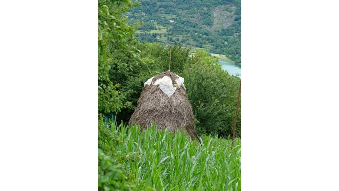 Albanie Les meules du Lac de Bovilla 4