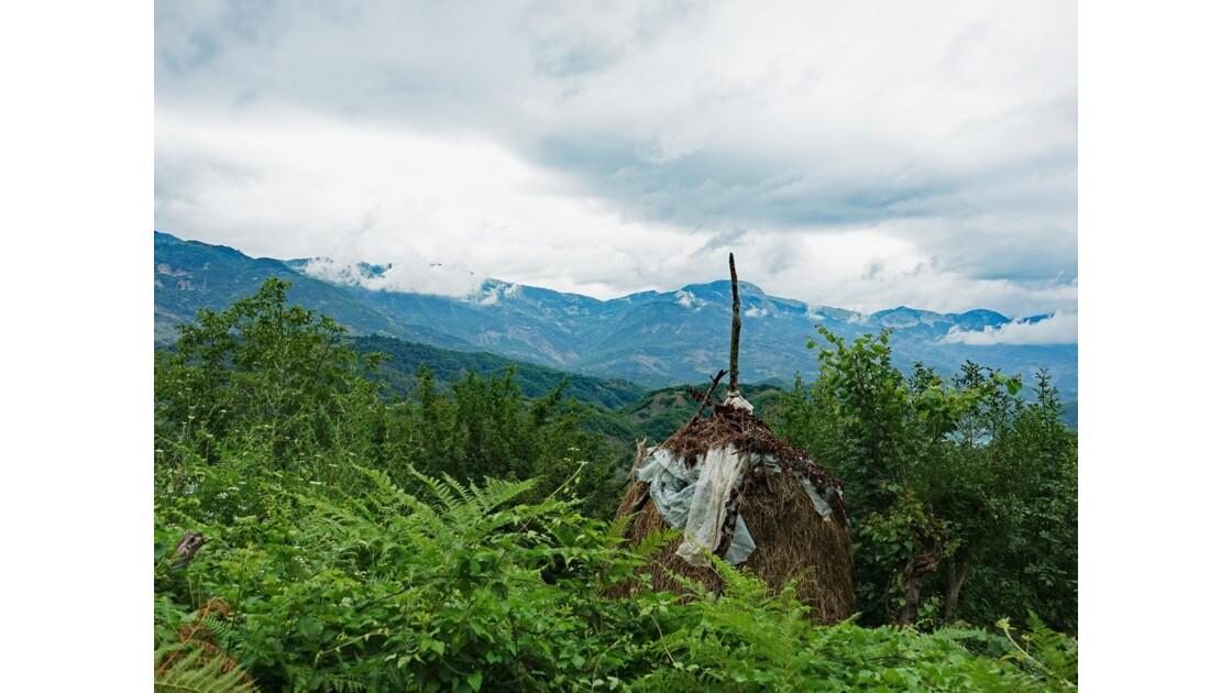 Albanie Les meules du Lac de Bovilla 7