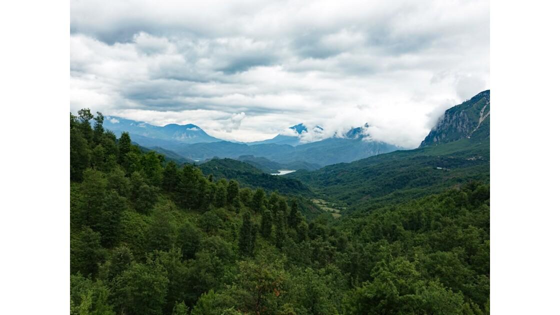 Albanie Parc national de Dajti Lac de Bovilla 1