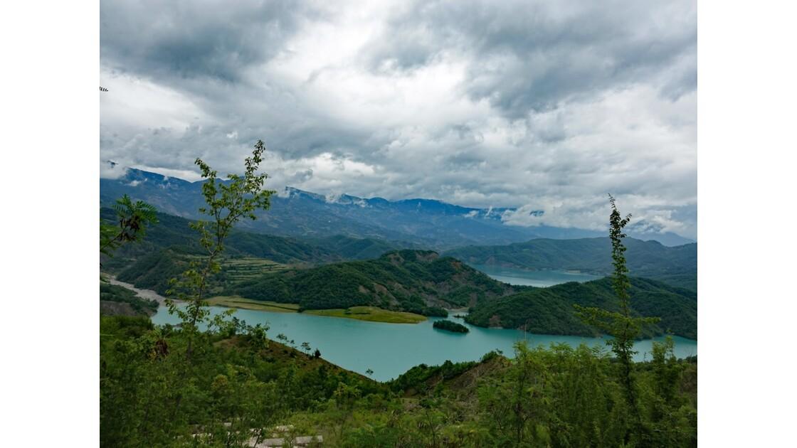 Albanie Parc national de Dajti Lac de Bovilla 5