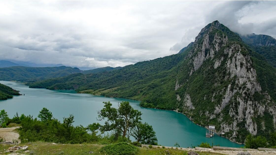 Albanie Parc national de Dajti Lac de Bovilla 9
