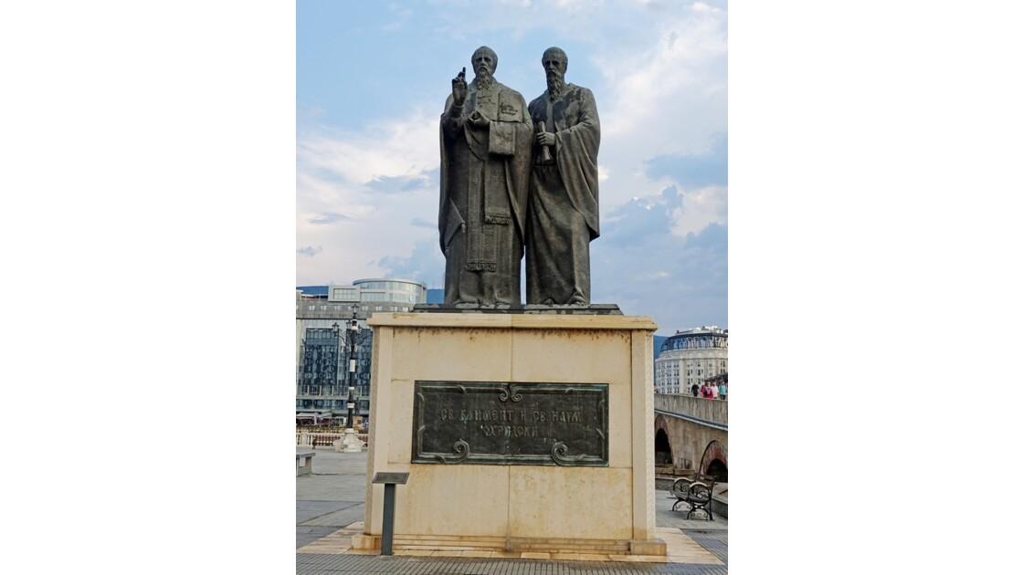 Macédoine Skopje Statue de Cyrille et Méthode 4
