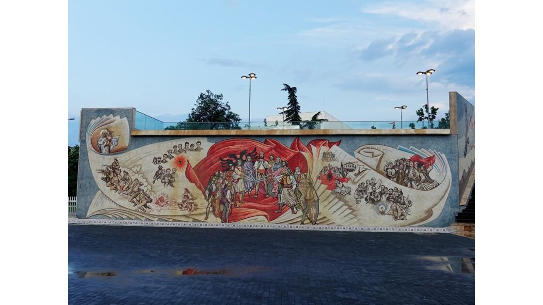 Macédoine Skopje Fresque de la place de Skanderbeg  1