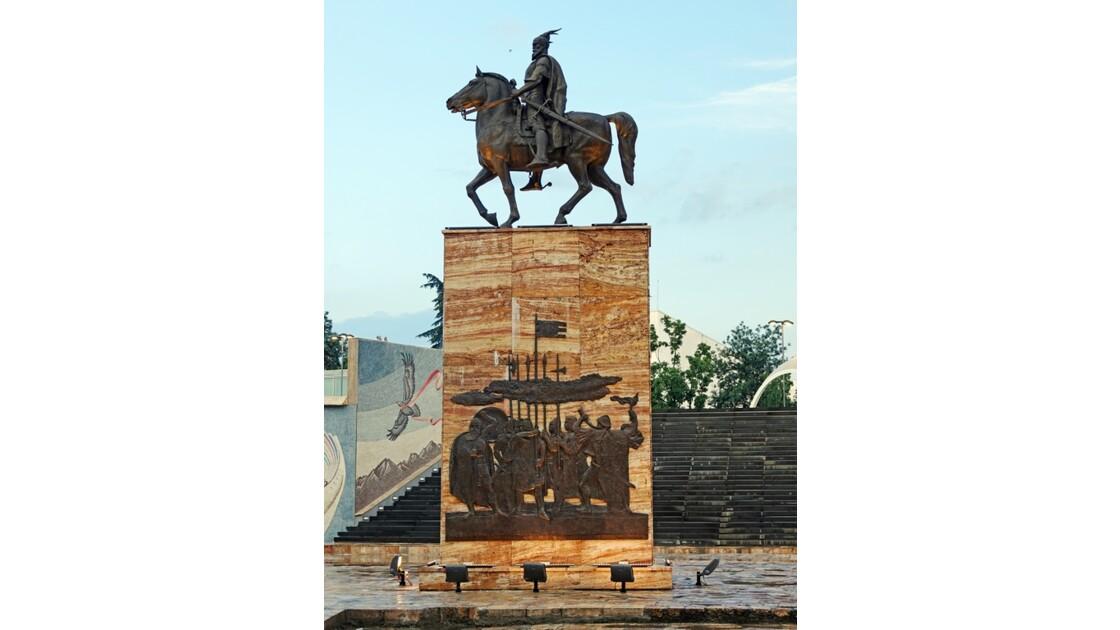 Macédoine Skopje Statue de Skanderbeg 5