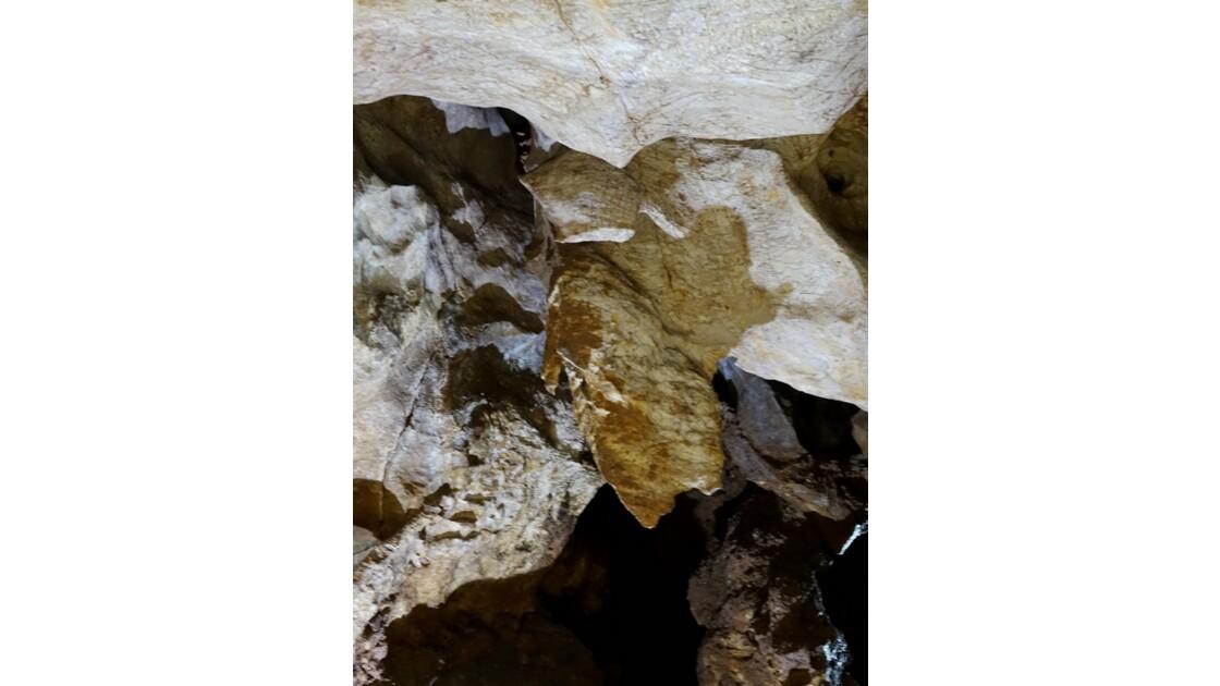 Kosovo Grotte de Gamine 16
