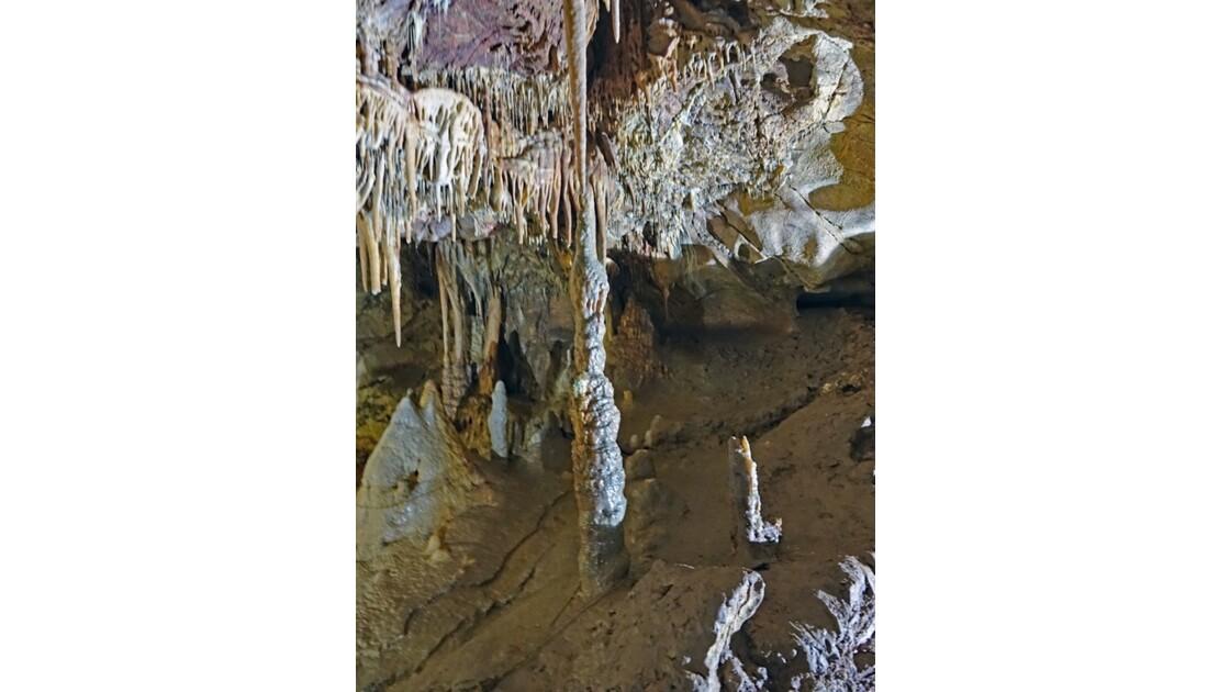 Kosovo Grotte de Gamine 19