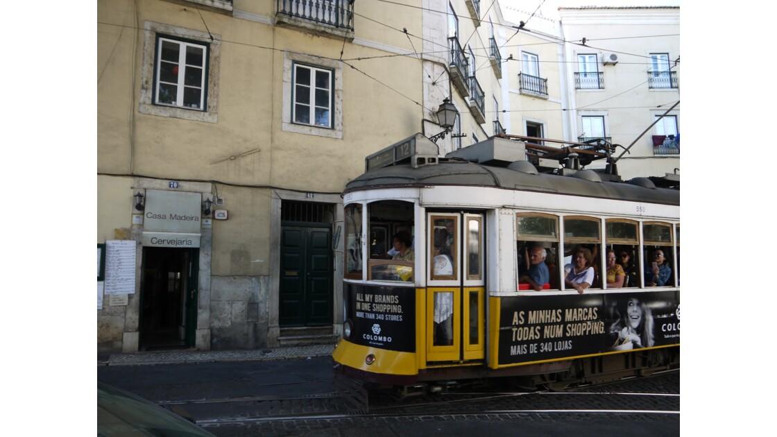 Tram à Lisbonne