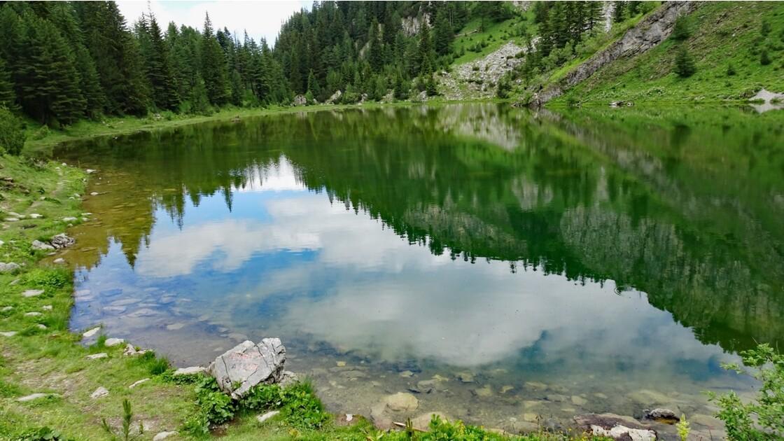 Kosovo Montagne de Rugova Lac de Kuqishte 1