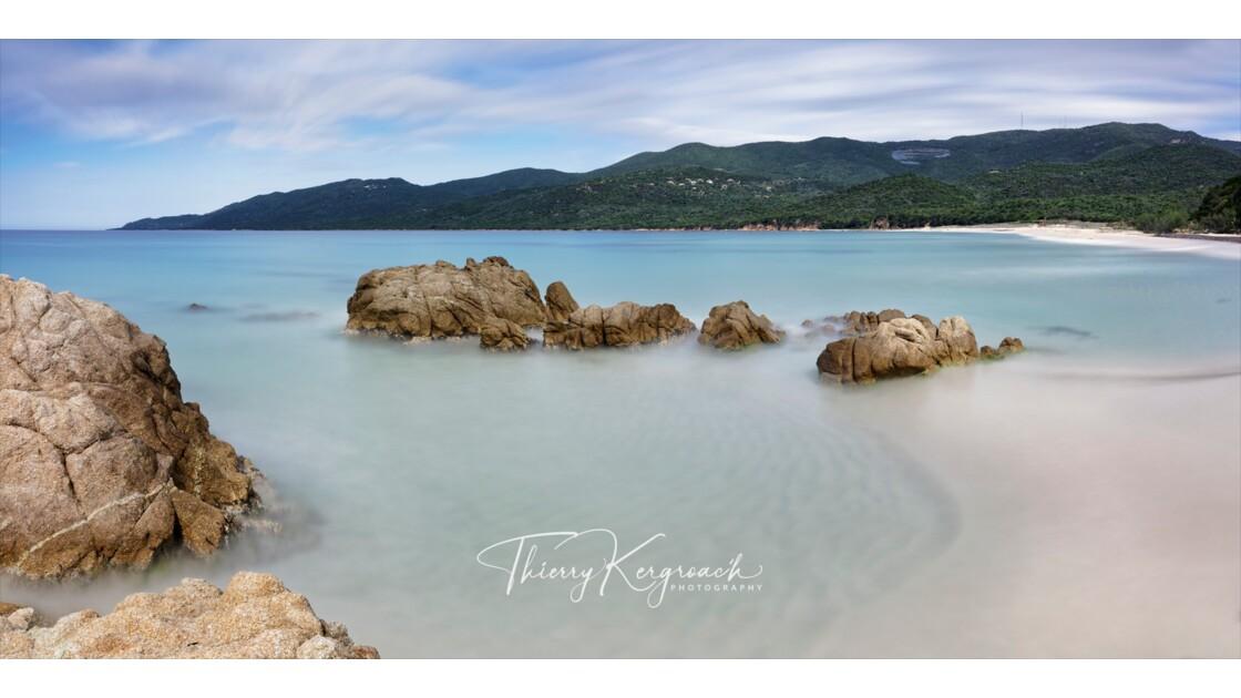 Rivage aux eaux cristallines, Cupabia, Corse