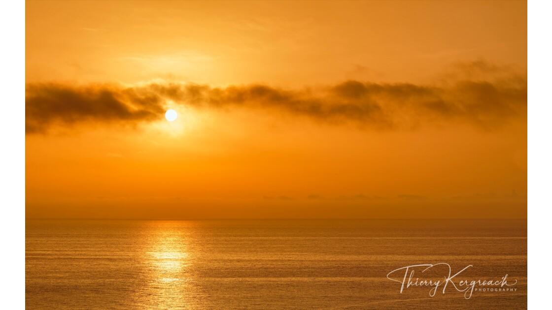 Un matin en or...baie de Tarco , Corse.
