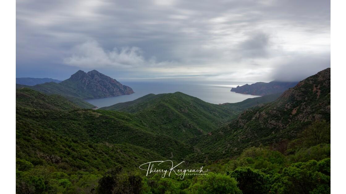 Vue sur le golfe de Girolata, Corse.