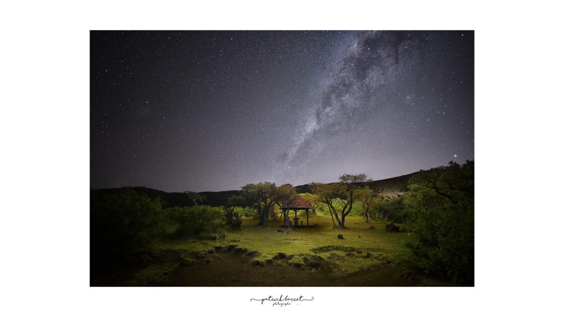 Voie Lactée / Milkyway – Route Forestière du Volcan – Île de la Réunion  © P A T R I C K • B A R R E T