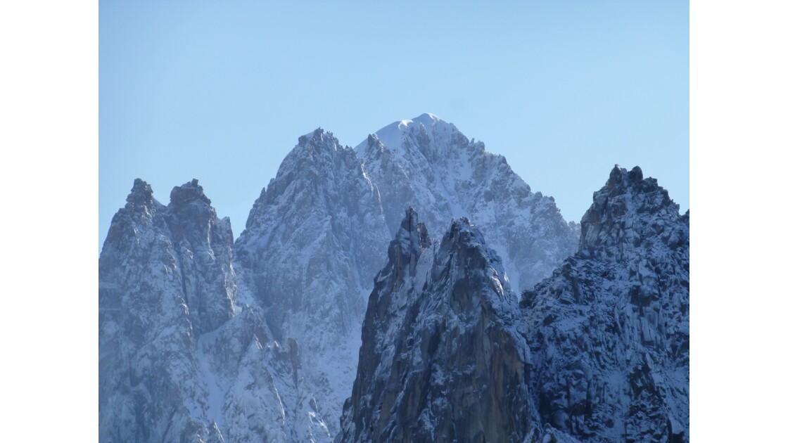 Montagnes après la neige