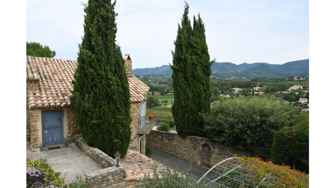 Vue du village de Puyméras