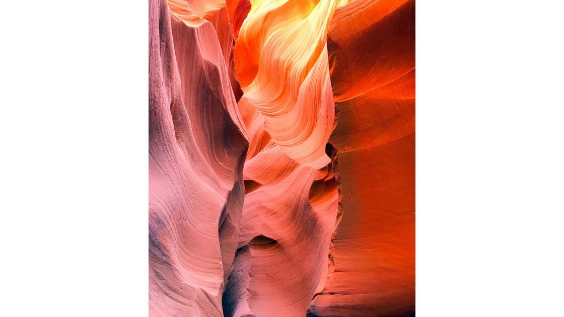 Lower antilope canyon