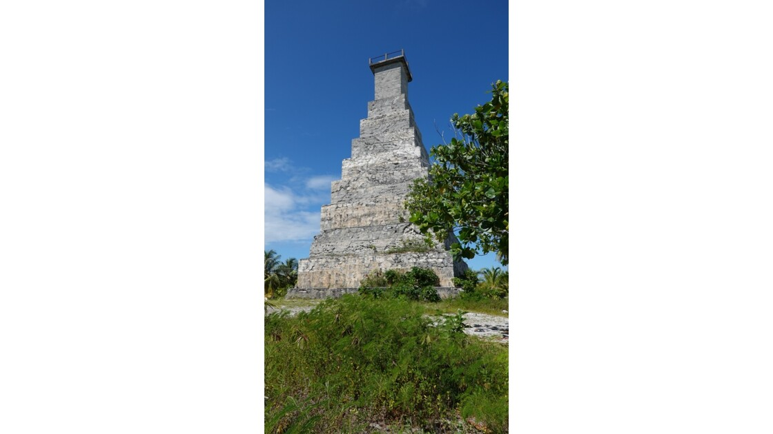 Tuamotu Fakarava - Autour de l'ancien phare de Topaka 1