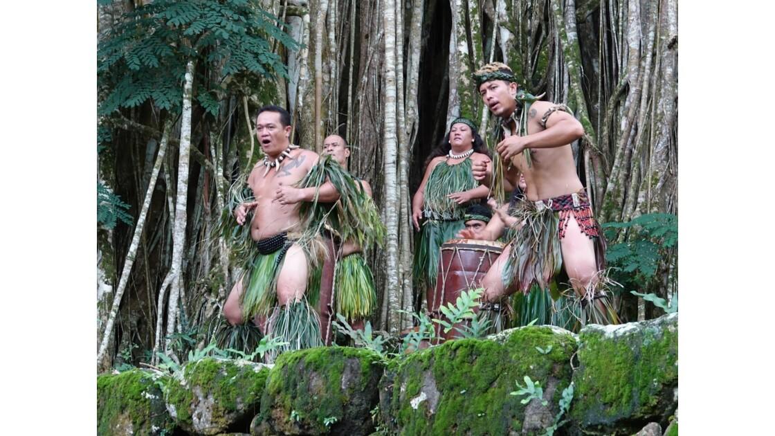 Les Marquises - Nuku Hiva - Accueil au Site de Kamuihei 6