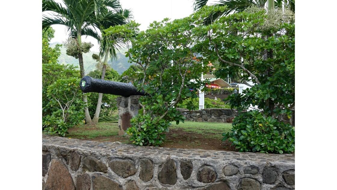 Les Marquises Nuku Hiva Taiohae Monument aux morts 4