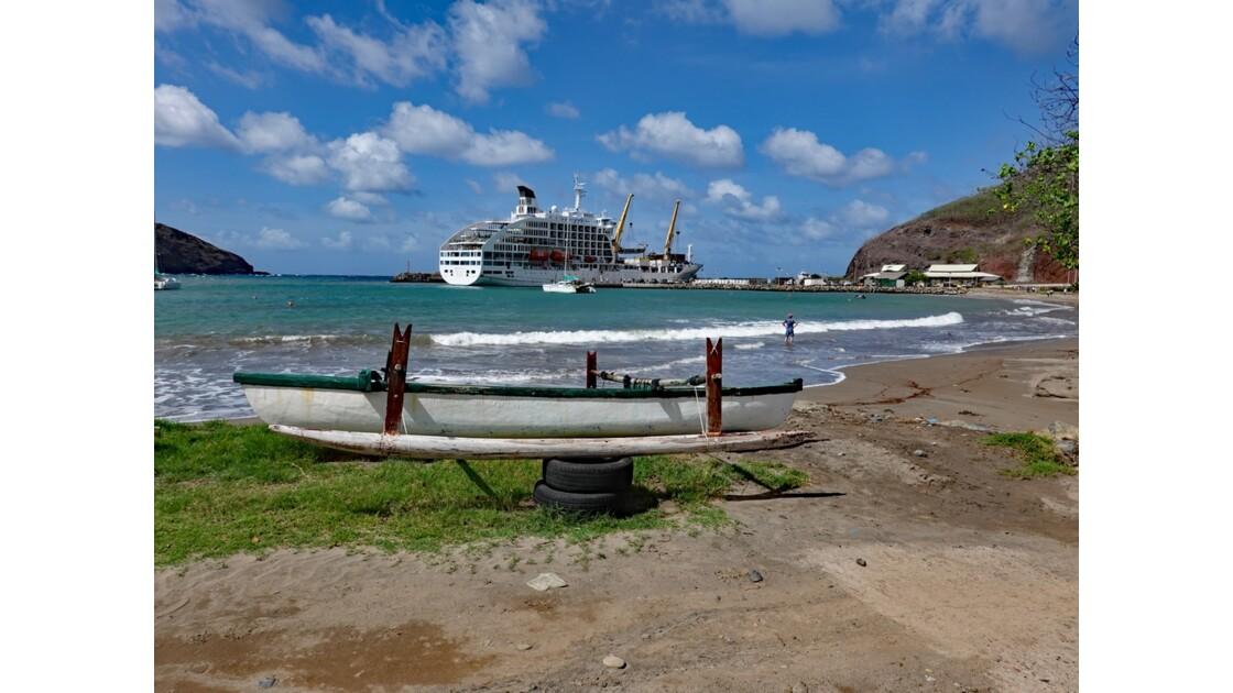Les Marquises - Ua Pou Hakahau L'Aranui à quai 5