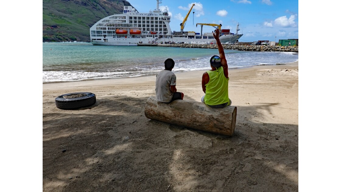 Les Marquises - Ua Pou Hakahau L'Aranui à quai 7