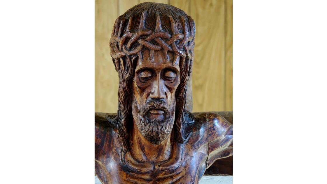 Les Marquises - Ua Pou Hakahau L'église St-Etienne  Crucifix 2